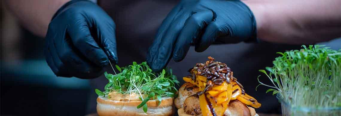 Tænk kreativt under COVID-19; Fem gode råd til danske spisesteder